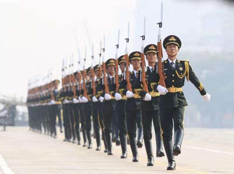 威武!中国最帅天团来了!